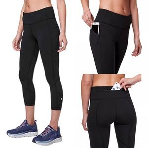"Lululemon Pace Rival Crop 22"" Leggings Size 6"